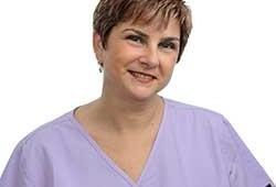 גב' רוחי זהר – מנהלת מרפאה וסייעת