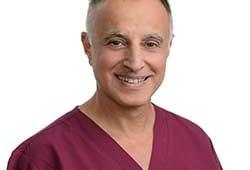 """ד""""ר יובל צוברי – מומחה בפריודונטיה"""